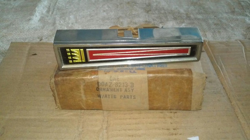 emblema ford galaxie 1970 original en su caja ford
