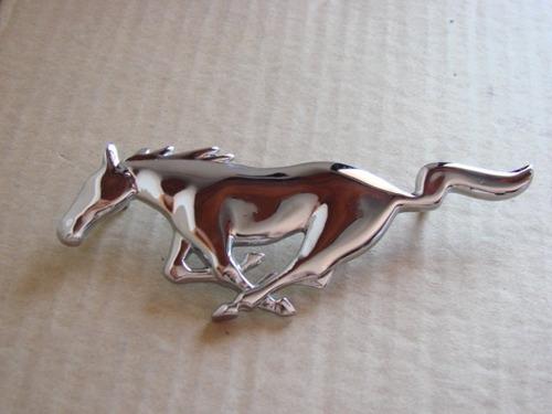 emblema ford mustang  - caballo  - parrilla