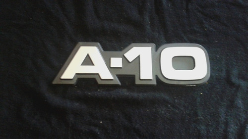 emblema lateral pick up a10