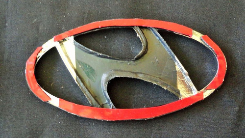 emblema logo hyundai 11.5 x 6 cms taiwanes 4v