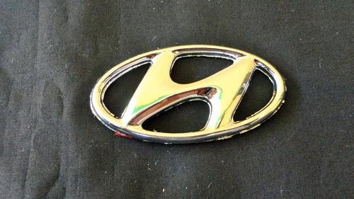 emblema logo hyundai 7 x 3.8 cms taiwanes 4v