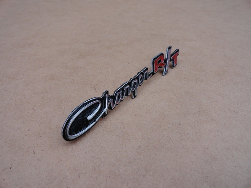 emblema painel porta luvas dodge charger r/t novo