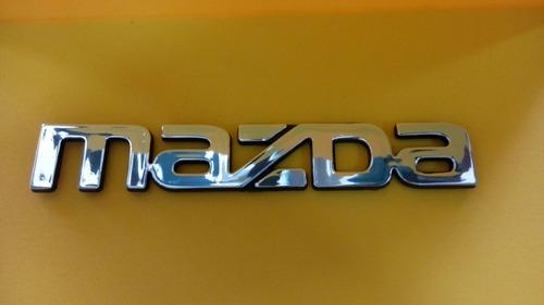emblema palabra mazda maleta 13.5x2.3