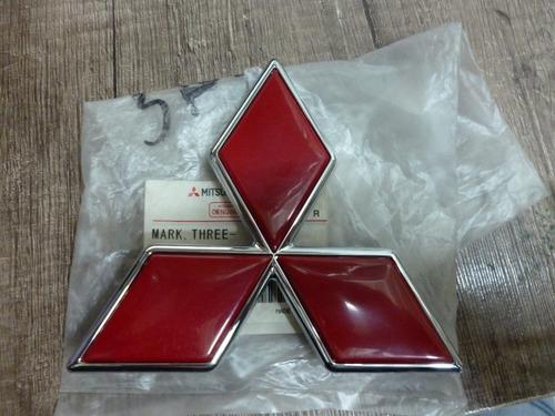 emblema parrilla mitsubishi montero sport 00-04 original