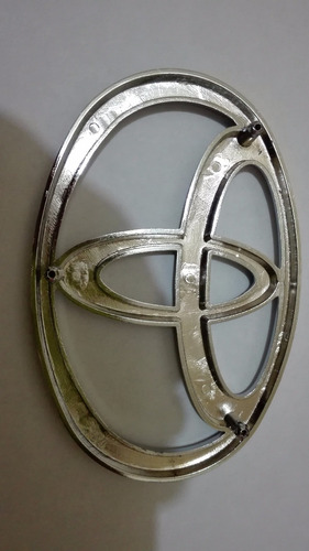 emblema persiana toyota macho 4.5 de tornillos envio gratis