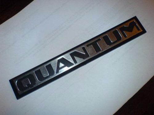 emblema quantum modelo antigo