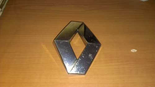 emblema renault logan