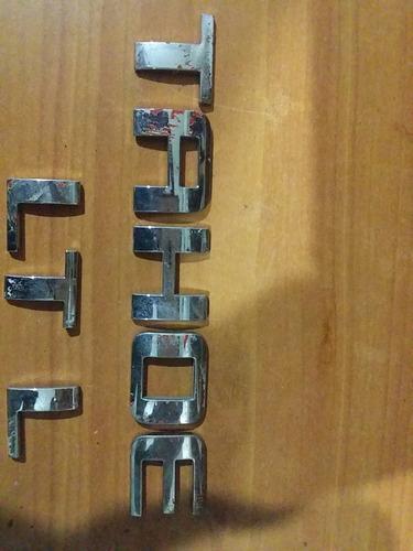 emblema tahoe y letras lt silverado