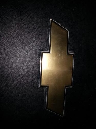 emblema trasero silverado usado