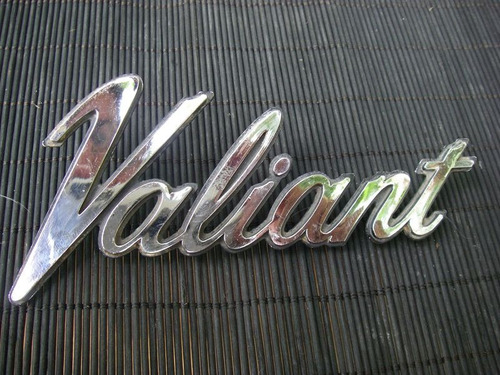 emblema vintage cromado plimouth valiant