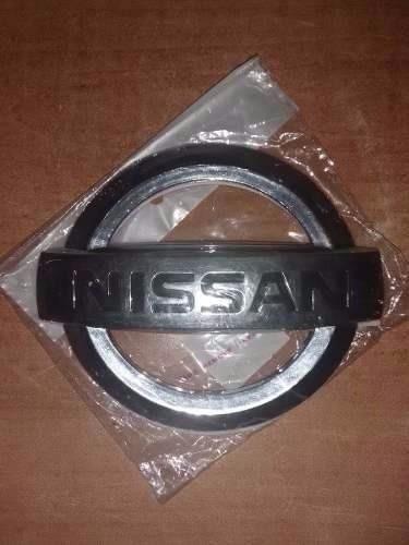 emblemas de carros nissan 7,5 x 9 cm nuevos
