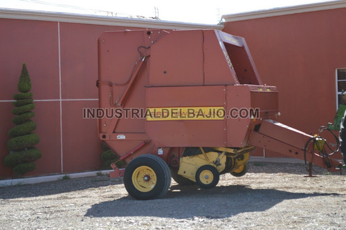 empacadora de alfalfa new hollan 660
