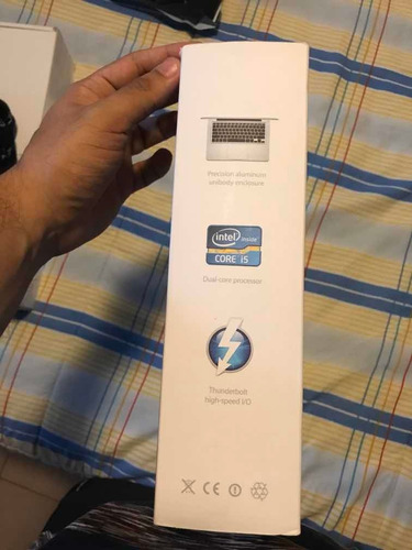 empaque mackbook pro 13 inch led
