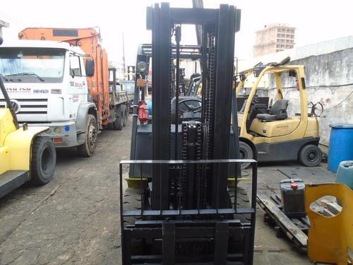 empilhadeira clarck 2,5 tons
