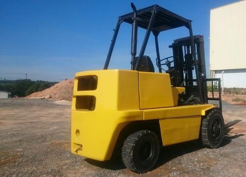 empilhadeira clark \ c 300 hy 60 diesel 3 tonelada
