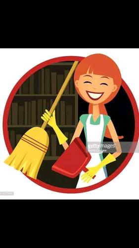 empleada doméstica o niñera, con 30 años de experiencia