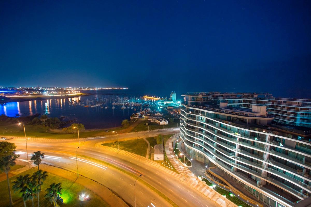 emprendimiento forum puerto del buceo