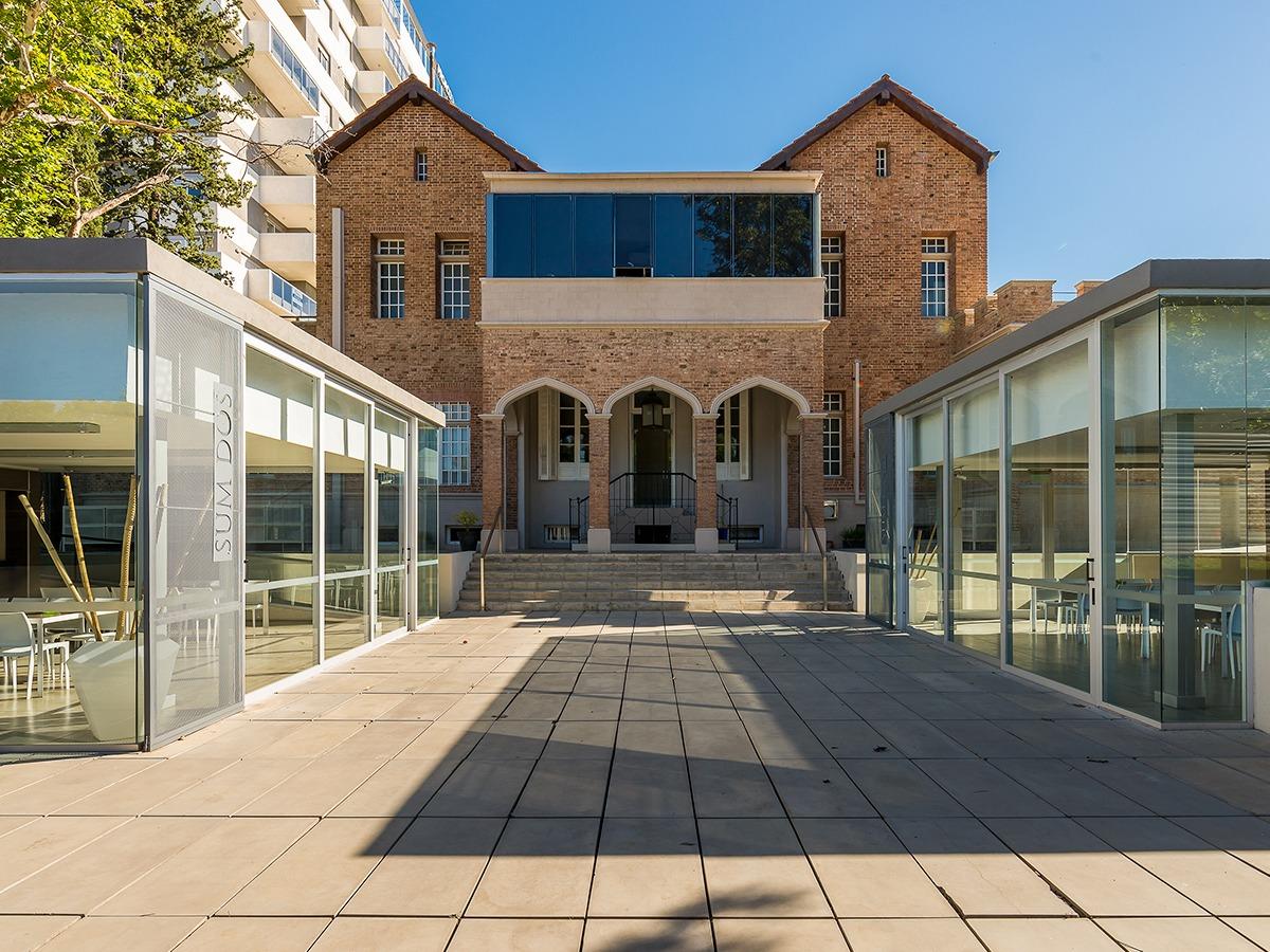 emprendimiento opera luxury condominium