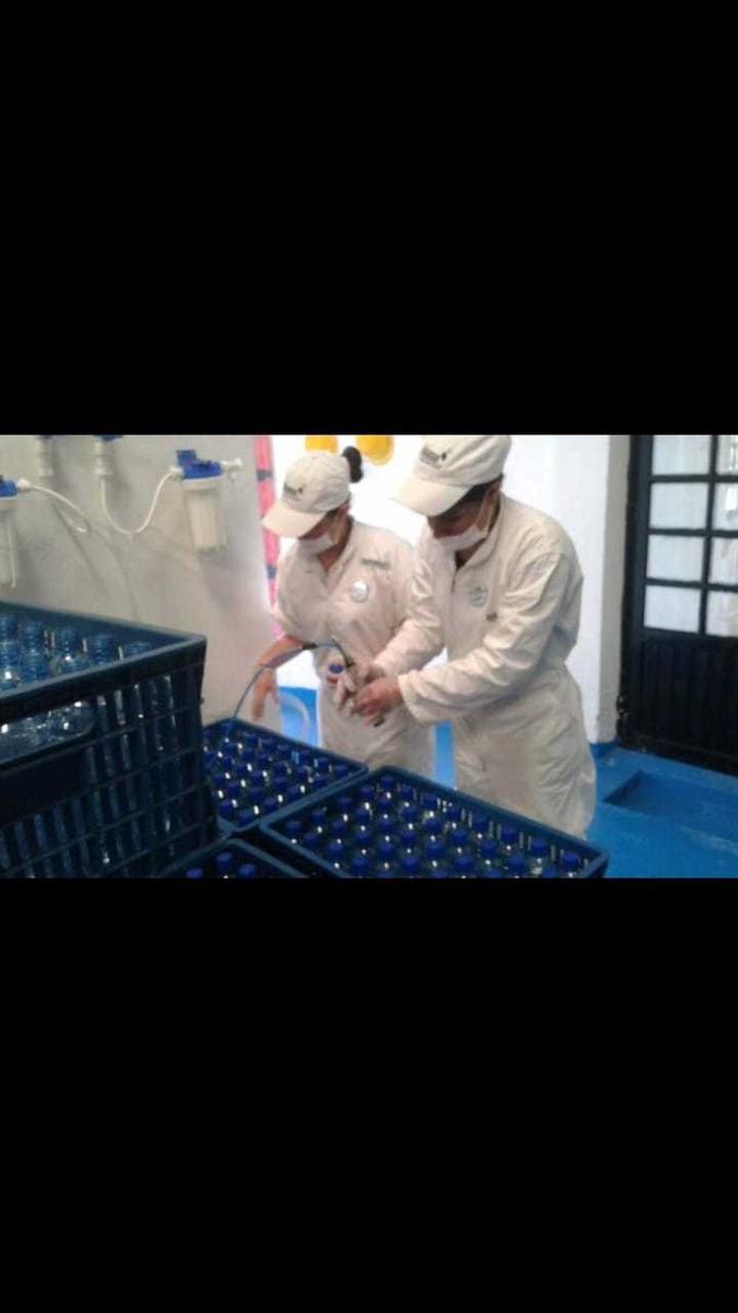 empresa de agua potable bodega con zona verde