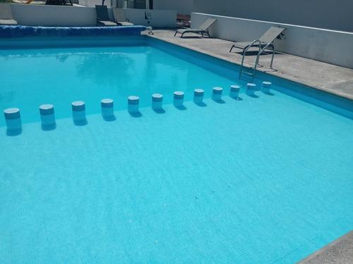 empresa dedicada al mantenimiento y construcción de piscina.