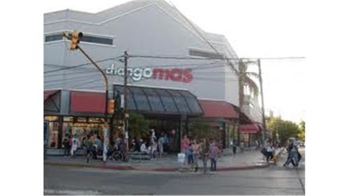 en alquiler local moreno shopping