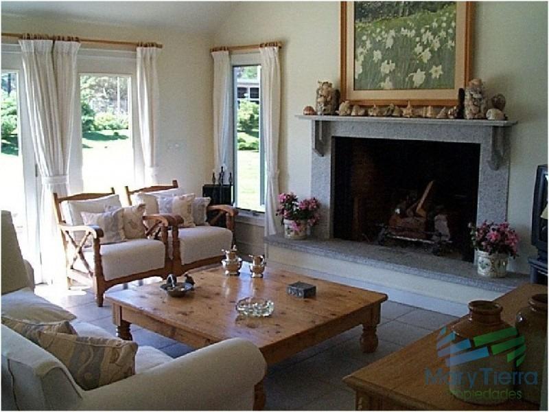 en alquiler y venta.. espectacular residencia estilo americano!!!-ref:1668