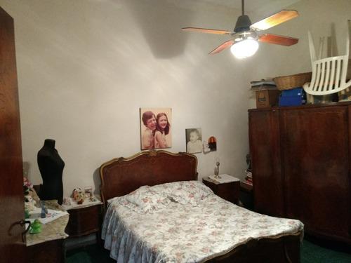 en block casa apta 2 familias. 2 unidades. barrio pompeya.