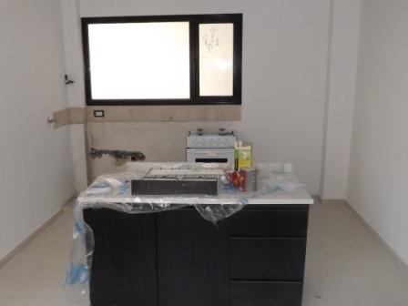 en caseros limite con villa bosch: departamento primer piso al frente  dos dormitorios, cocina comedor ,baño luces dicroicas f: 5920