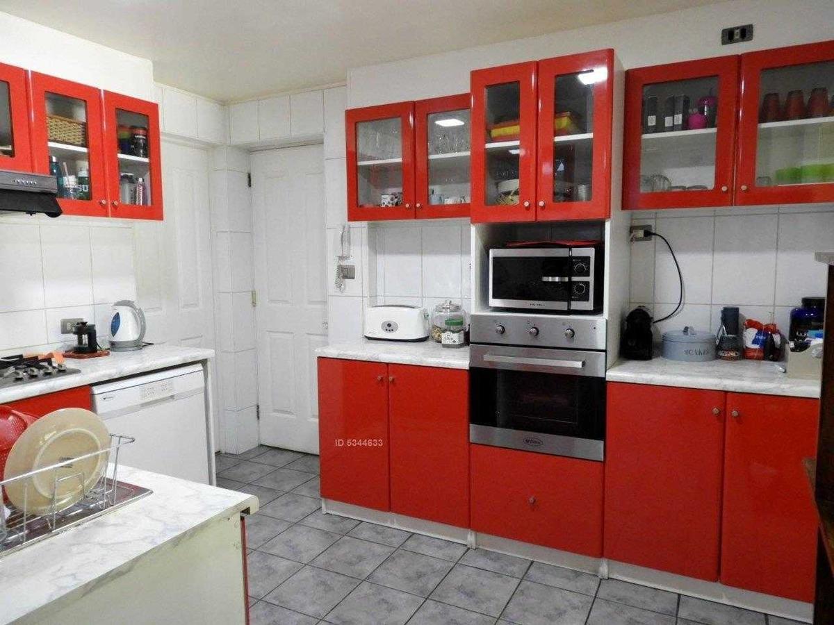 en condominio-linda casa sector san carlos de apoquindo