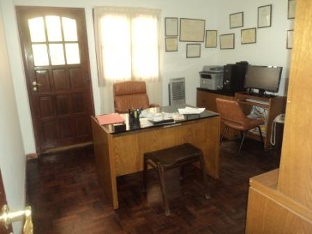 en el palomar casa de 2 dormitorios con pisos en madera, cocina con horno empotrado y anafe, lote 500m2 f: 6134