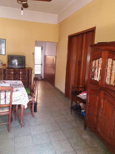 en el palomar venta de casa en lote propio 3 ambientes con cochera y fondo f: 7623