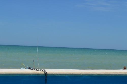 en esquina frente al mar chicxulub ¡¡ ((disp después de  junio))