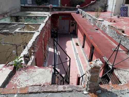 en esquina, uso de suelo para 8 niveles