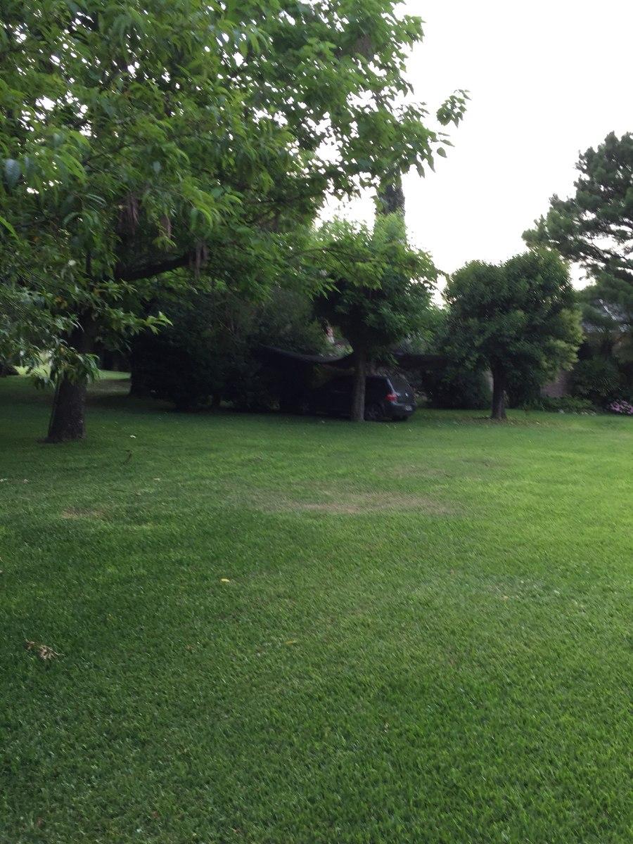en francisco álvarez quinta 3600mts parque gorriti 2 casas