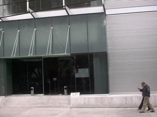 en renta 1,070 m2  de oficinas en edificio aaa