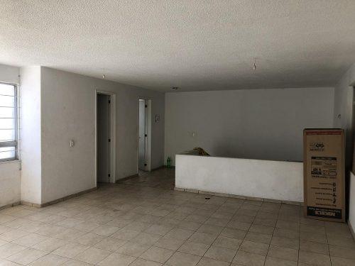 en renta bodega lerma 1,181 m2