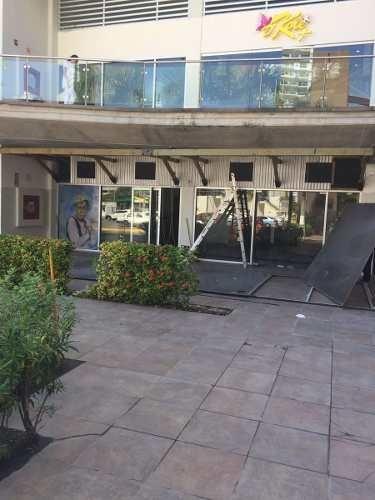 en renta centrico restaurante en plaza solare