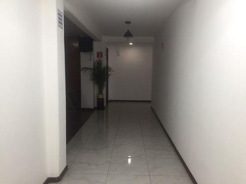 en renta linda oficina de 10 mts