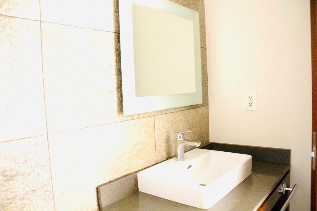en renta precioso departamento en serena en tercer piso