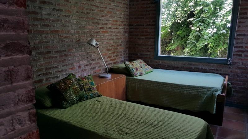 en rincón del indio, 3 dormitorios, parrillero, piscina, muy buena construcción!-ref:2743