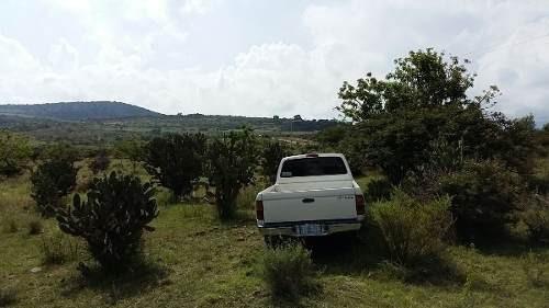 en venta 2 terrenos sobre carretera a coroneo gto.