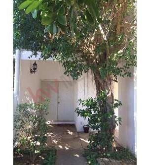 en venta bonita casa , colonia méxico, mérida, yuc. abundante vegetación y silencioso.