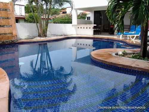 en venta bonita casa con agradable àrea de esparcimiento