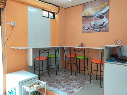 en venta cafetería - heladería en funcionamiento negociable