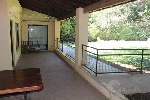 en venta casa de 4 ambientes con parque en barrio el cazador - escobar