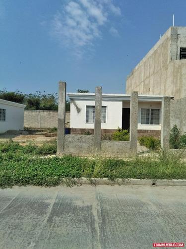 en venta casa en la ciudadela cagua 04127520108