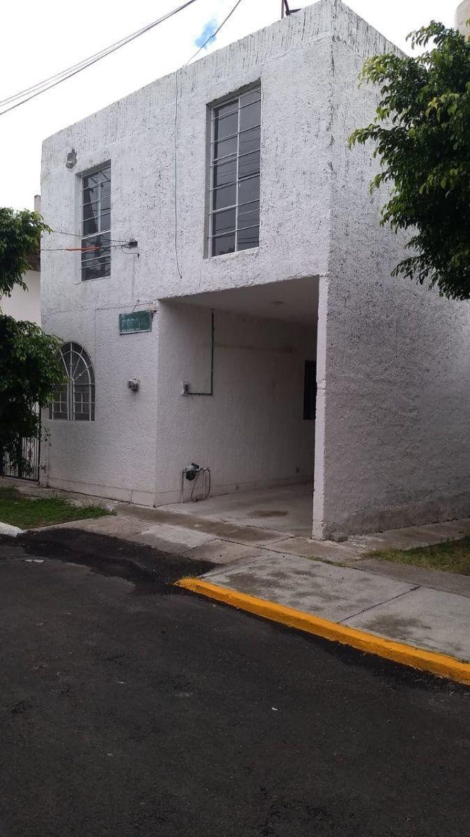 en venta casa en san jose de los olvera, 4 recamaras, bien ubicada.