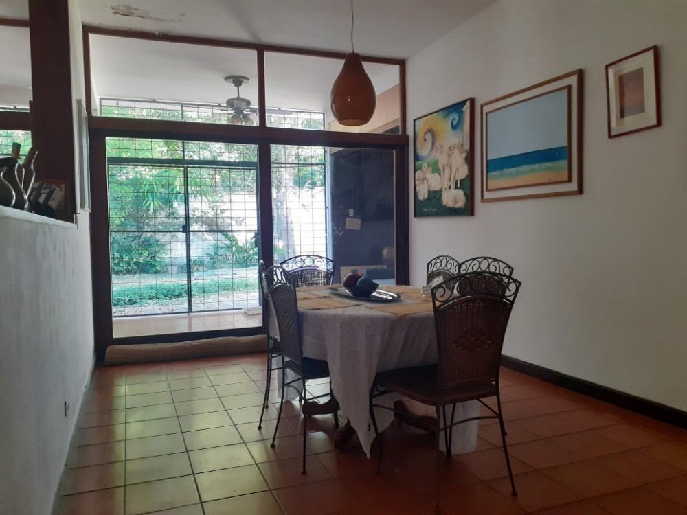 en venta casa en urbanización guaparo cod:417872