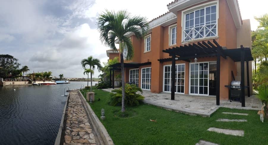 en venta casa higuerote puerto encantado