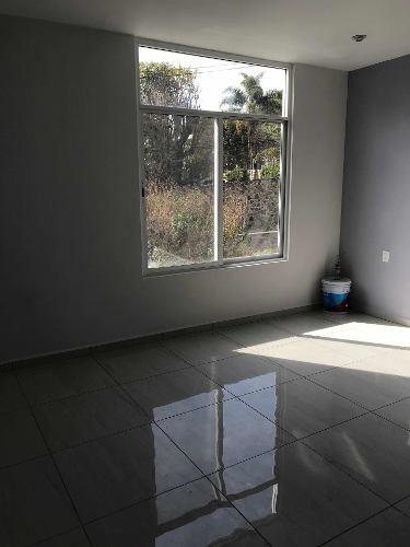 en venta casa nueva con alberca en cuernavaca